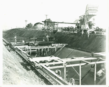 Construction of the Contra Costa Canal