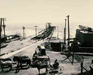 Santa Monica Pier in 1909 shortly after construction was completed