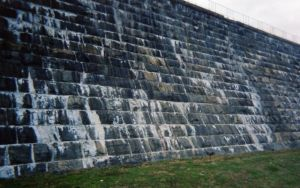 Leaks in Boonton Dam, 2006 (Photo by author)